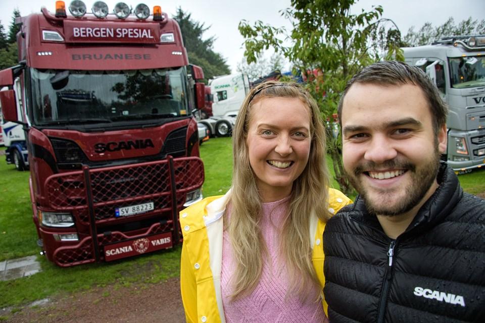 Stine Marit Indergaard og Geir Olav Lone kommer fra Bergen og er i år med til lastbiltræffet for første gang. Foto: Bo Lehm