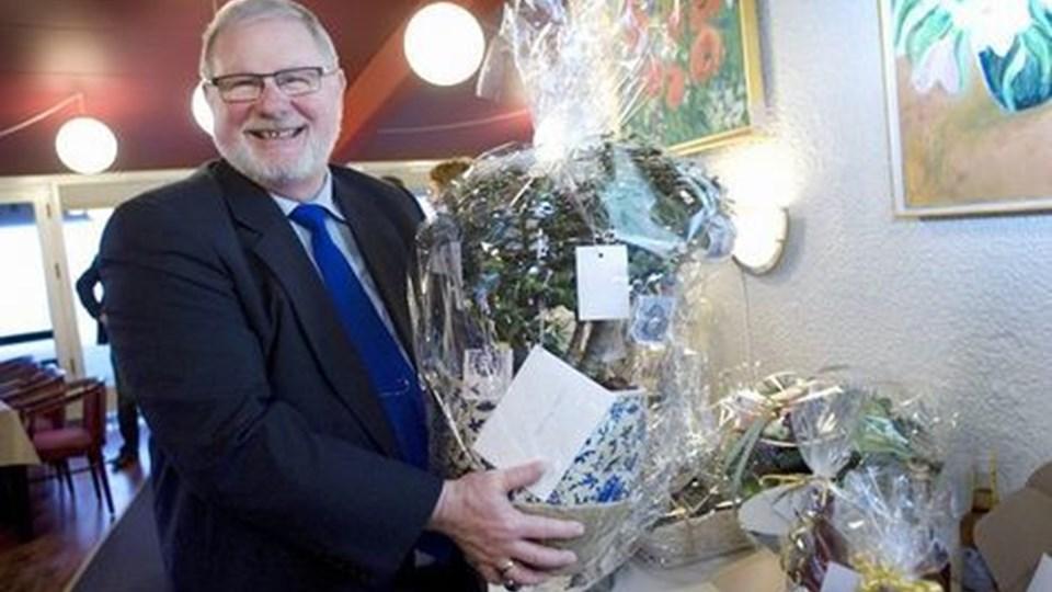 Flemming Søgaard fik et pengetræ ved sin 25 års jubilæumsreception.  Foto: bente Poder