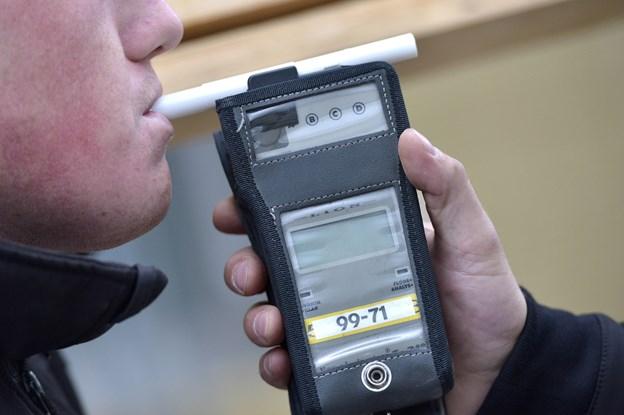 Vidne meldte bilist: Stoppet med kæmpe promille