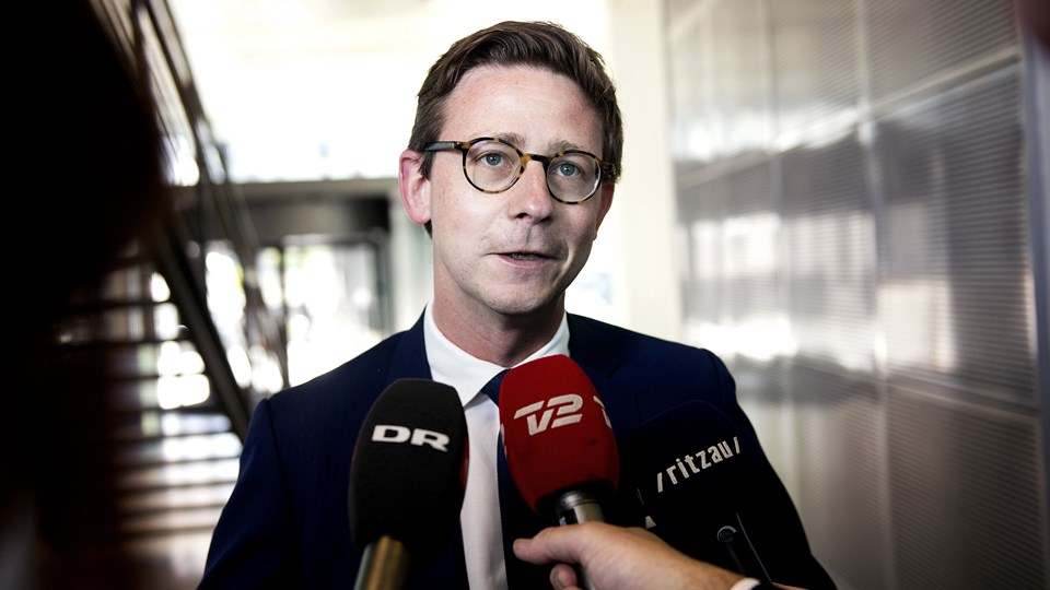 Skatteminister Karsten Lauritzen mener, at nogle skattesager skal behandles hurtigere end andre. Det gælder særligt de borgernære afgørelser. Foto: Liselotte Sabroe/Ritzau Scanpix