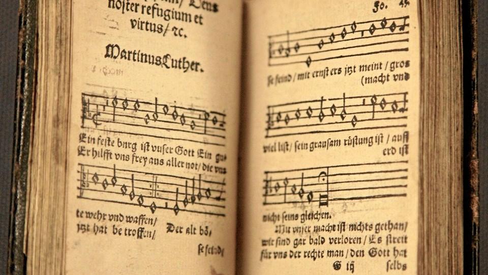 """Luthers salme """"Vor Gud han er så fast en borg"""" udgør en stor del af den musikalske inspiration, når der 8. januar inviteres til nytårskoncert i Mariager Kirke. Privatfoto"""