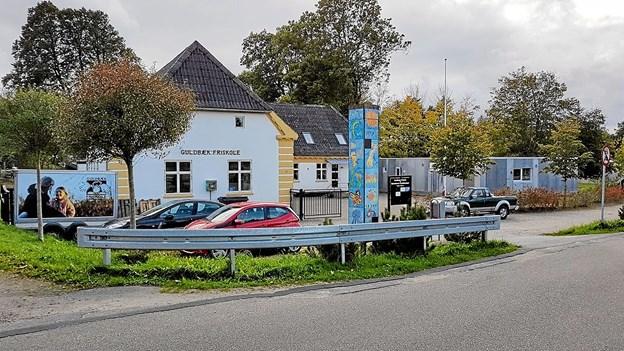 Byvandringen sluttede på byens samlingssted, Guldbæk Friskole. Foto: Karl Erik Hansen