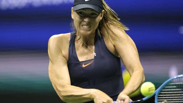 Sharapova fortsætter i 2020 trods rædselssæson