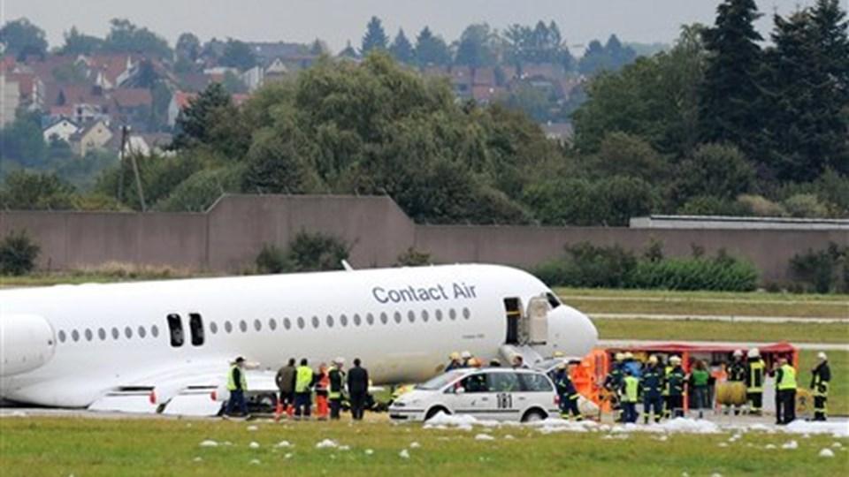 Et passagerfly fra Lufthansa måtte nødlande i Stuttgarts lufthavn. Foto: Scanpix.