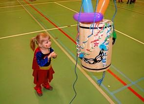 200 deltog i fastelavnsfest i Poulstrup