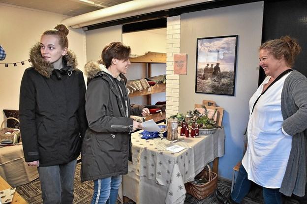"""Man kunne også besøge syerske Lone Bek Nielsens """"Knaphullet"""". Foto: Ole Iversen Ole Iversen"""