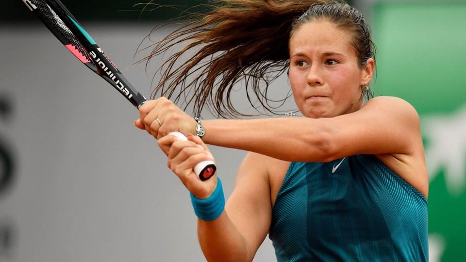 21-årige Daria Kasatkina har spillet sig frem til ottendedelsfinalen ved French Open, hvor hun skal møde enten Caroline Wozniacki eller Pauline Parmentier. Foto: Christophe Simon/scanpix/Ritzau Scanpix