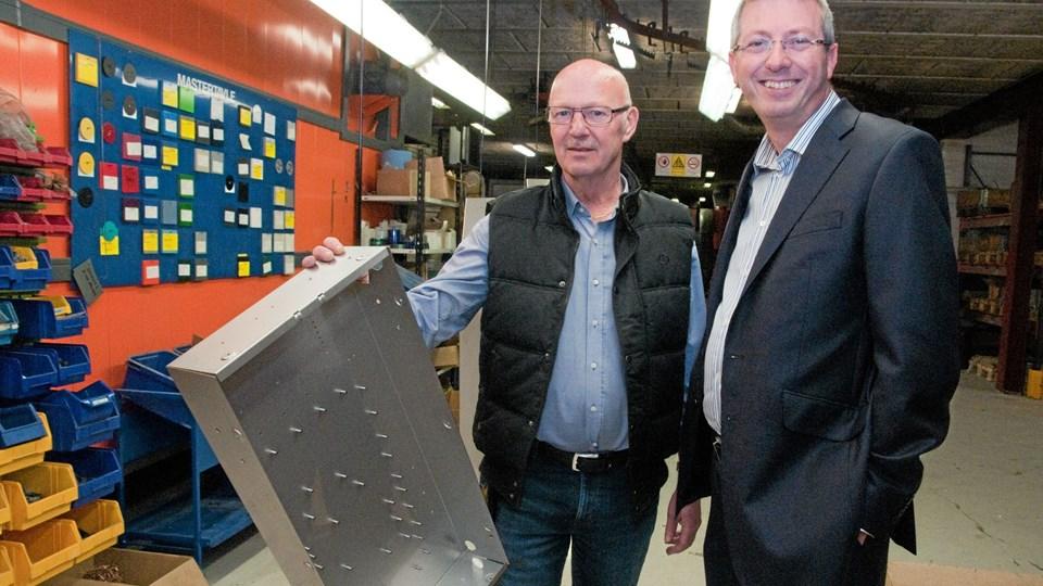 Direktør Anders Krogh, Metafix (tv.) har netop haft besøg af vicepræsident Paul Hitchcock, BAE Systems. - Får BAE Systems ordren, forventer jeg, at vores andel vil få et anseligt omfang, siger Anders Krogh.