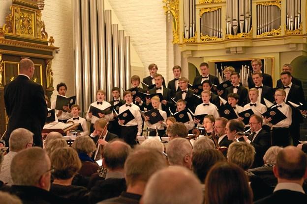 Thisted Kirkes Drenge-Mandskor giver koncert i Brovst Kirke. Privatfoto