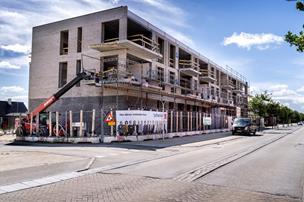 Tre etagers ejendom på vej i Støvring: Prisen er 55 millioner