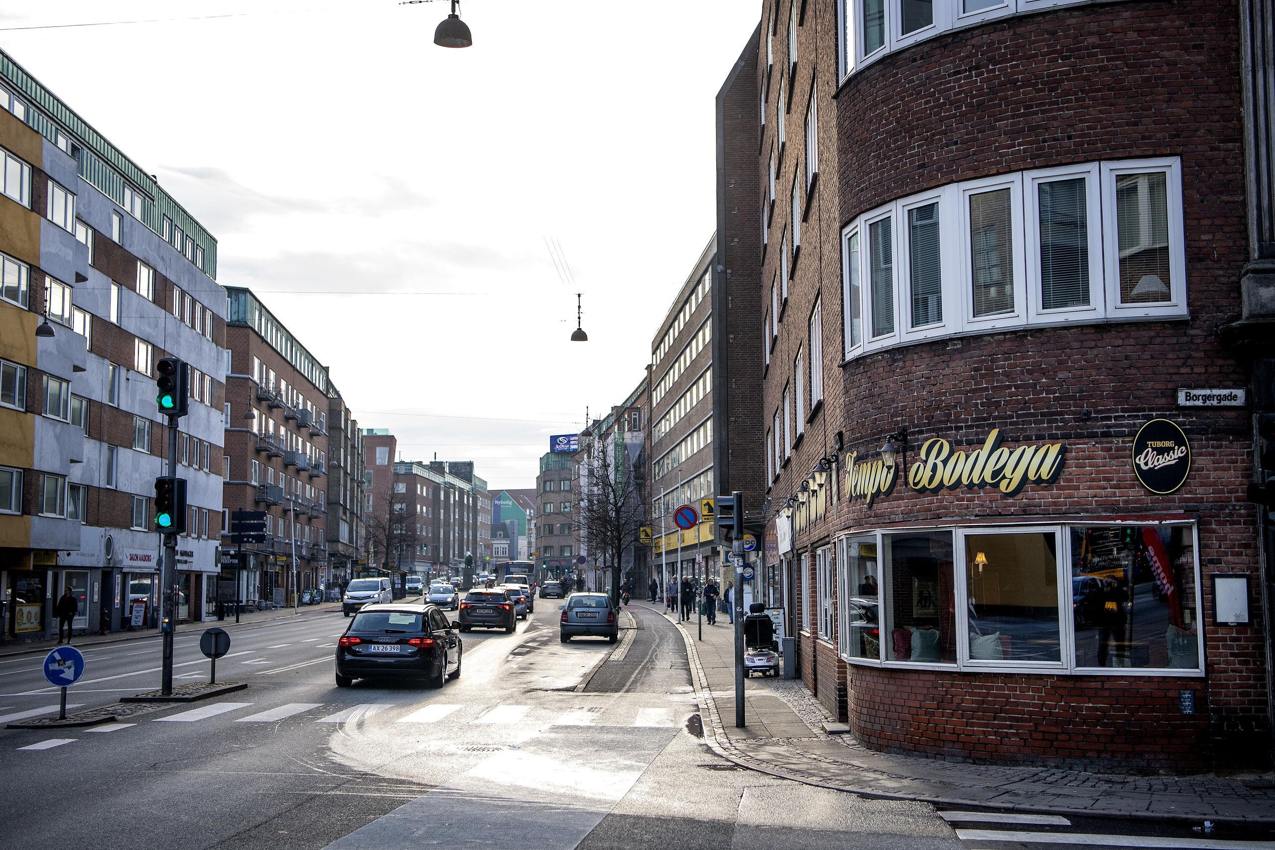 Det er skiftedag hos Tempo på hjørnet af Vesterbro og Borgergade. Foto: Henrik Bo