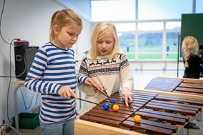 Mariagerfjord Kulturskole ude med de kreative godbidder