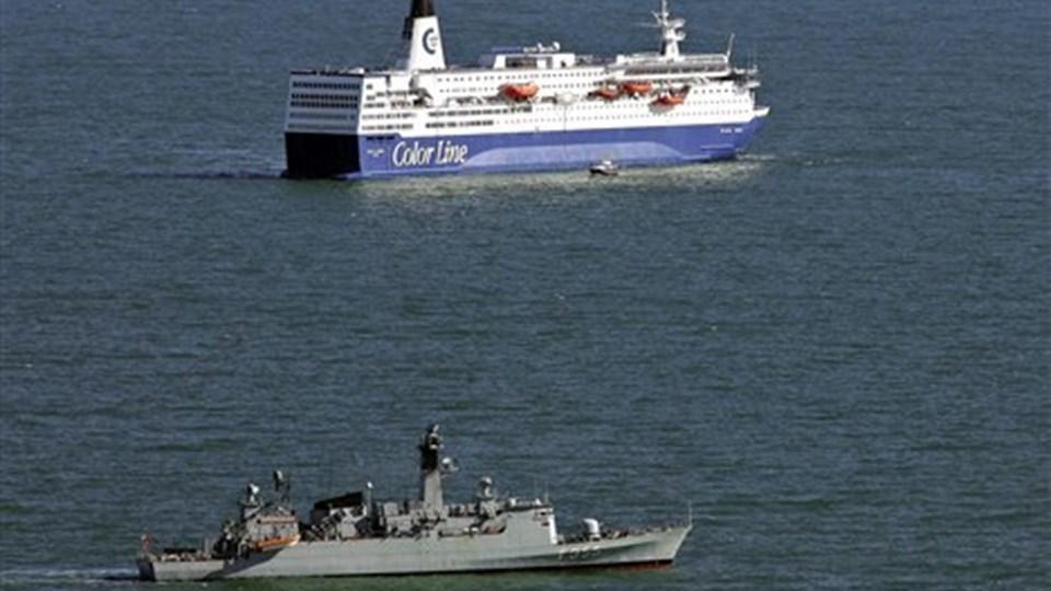 Færgen Peter Wessel på vej i land tordag 22.3. Foto Michael Koch.