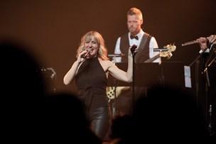 Charmerende grand prix-fest: Fem gode stemmer og sange fra et halvt århundrede