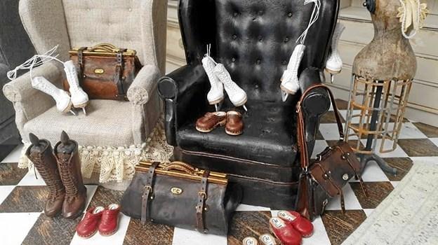 """""""Mini Marie"""" Sverige, der arbejder i læder, sko, støvler, skøjter, tasker og meget mere, og som i september er blevet udnævnt til IGMA artisan."""