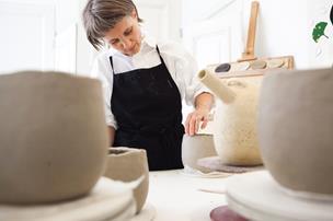 Annes keramik blev kopieret af Netto: - Hvad er meningen med at knokle, hvis det er så nemt at sælge i supermarkederne?