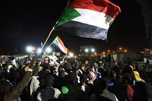 Militær i Sudan indstiller forhandlinger med demonstranter