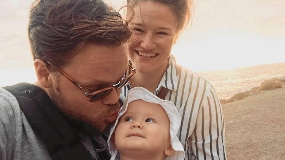 Adam Ild Rohweder og Ina Hjorth Jacobsen med datteren Vilde. Familien er en af otte fra hele landet, som 3.-5. maj skal afprøve Thy. Privatfoto