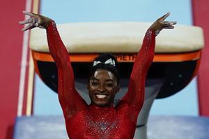 Amerikansk fænomen skriver mere historie ved gymnastik-VM