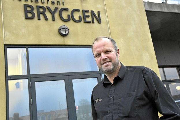 Efter 12 1/2 år som restauratør har Jan Kristensen og forretningsmakkeren Henrik Sørensen sat Restaurant Bryggen til salg.Foto: Ole Iversen