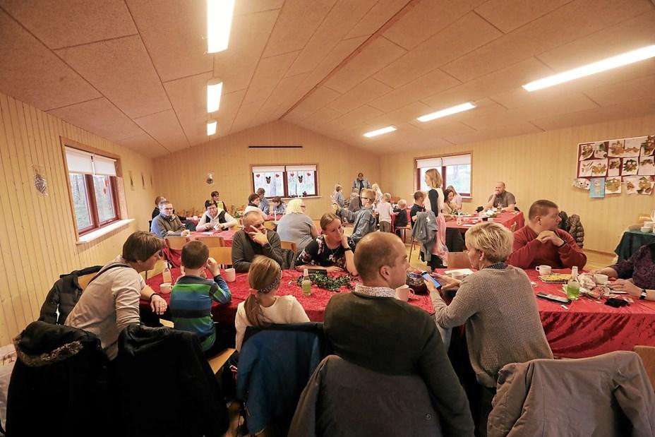 Jul i Birken Peberkagebagning og julemusik i FDF-huset søndag