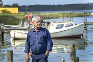 Idyllen ødelagt i lille bådehavn: Fritidsfiskere ærgrer sig over frækt tyveri