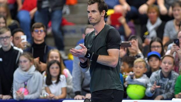 Murray kæmper sig i sin første ATP-semifinale med metalhofte