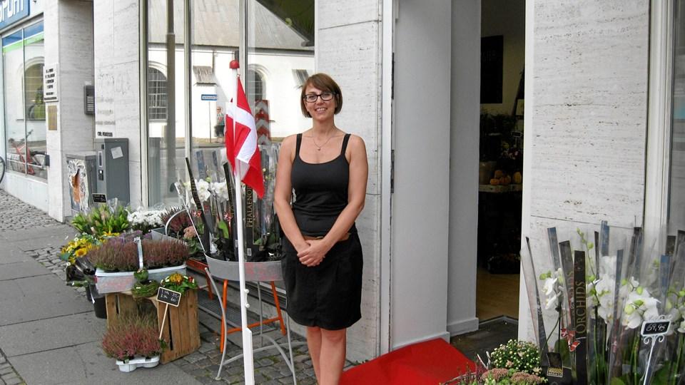 Rose Blossom er navnet på den skønne blomsterbutik Ann Nielsen åbnede i sidste uge på Budolfi Plads 5. Foto: Ole Skouboe