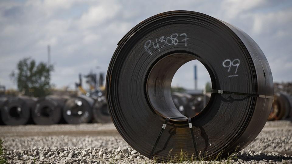 Præsident Donald Trump meddelte 1. marts, at han ville lægge 25 procent told på stål og ti procent på aluminium. Nu skærper han retorikken og siger, at EU måske lige så slem som Kina, når det gælder handel. Foto: Cole Burston/Ritzau Scanpix