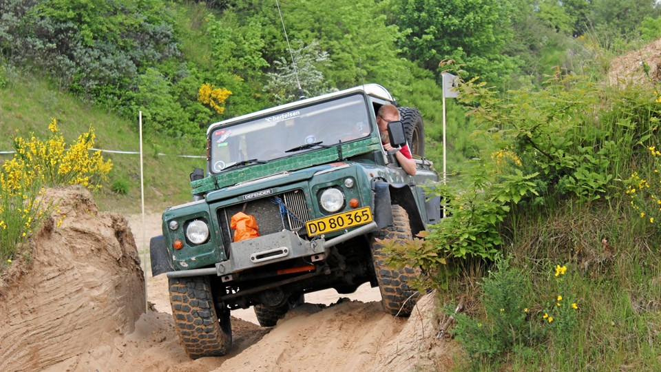 23. oktober kan du være passager i en Land-Rover i dens rette element i et afvekslende terræn, hvor selv kampvogne kan få problemer med fodfæstet. Privatfoto