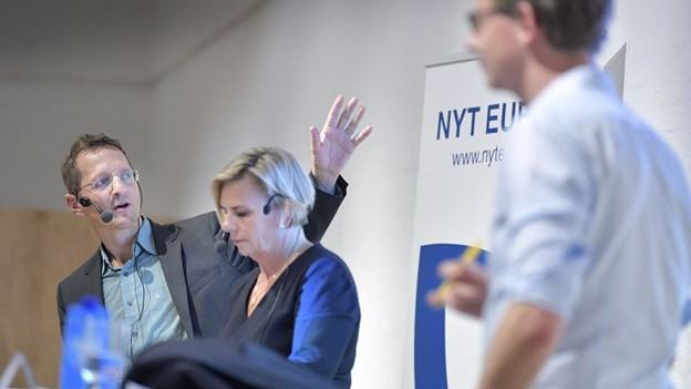 Til møde om Skat og EU i Vrå: - Bankerne har røvrendt borgerne
