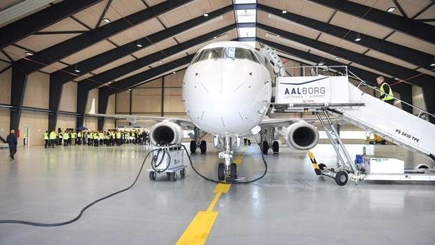 Kom med indenfor i Aalborgs nye fly-hangar: - En fantastisk dag for Nordjylland