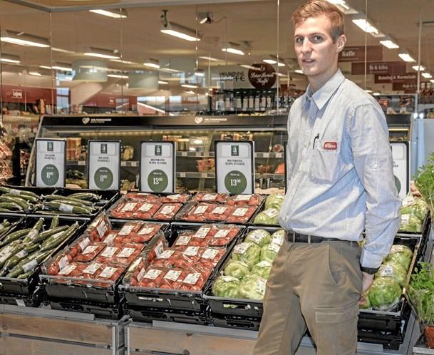 Casper aflægger fagprøve i Superbrugsen i Løgstør