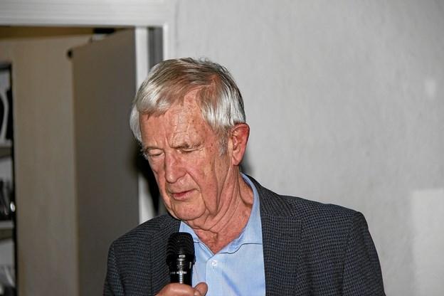 I Trillingsgaards beretninger indgik også små anekdoter som fik tilhørerne til at bruge lattermusklerne. Foto: Hans B. Henriksen Hans B. Henriksen