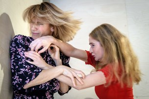 Anmelderen tudbrølede: Rystende stærk Strindberg-drama