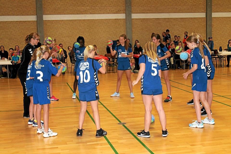 Også håndboldpigerne gav opvisning. Foto: Søren Bojesen
