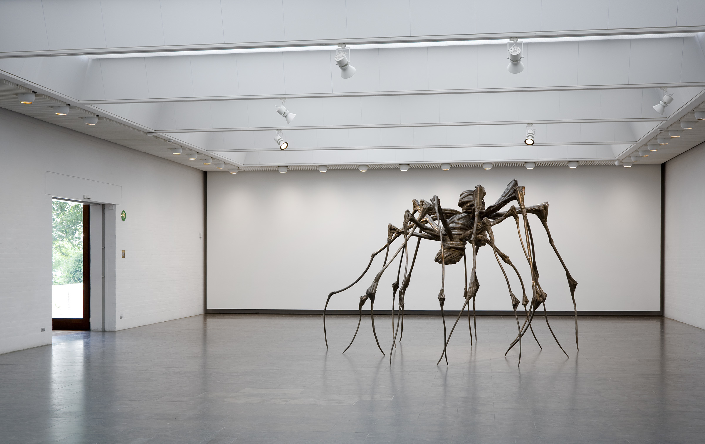 Gigantiske edderkopper flytter ind på Kunsten