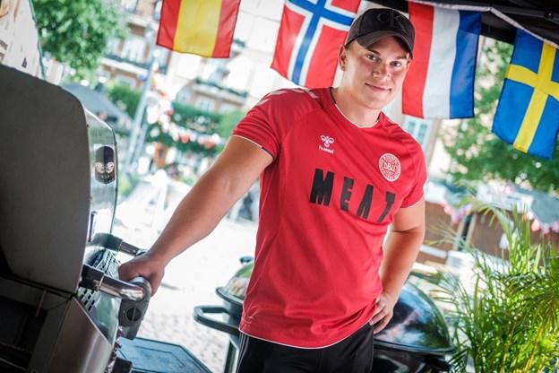 Meat bakker op om VM fanzonen, og det kan også ses på tøjet.