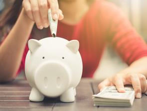 Disse sparetips kan sikre dig flere penge på kontoen hver måned