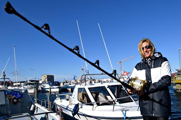 Mette Stenbroen er havlystfisker med egen båd, og hun er formand for Skagen Havfiskeklub. At fange tun er noget, som lystfiskere betaler mange tusinde kroner for at opleve.  Arkivfoto: Peter Broen