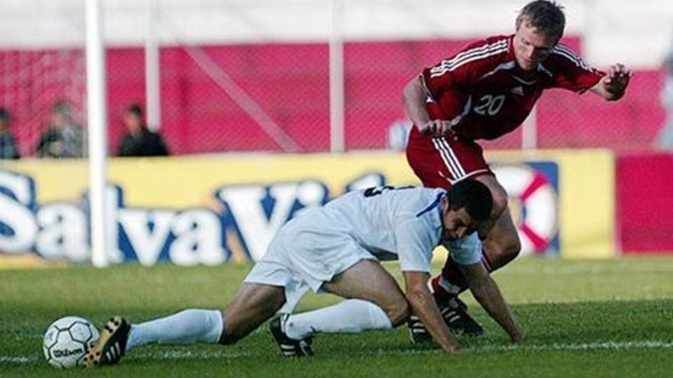 Rasmus Würtz i aktion på den danske midtbane mod Honduras i opgøret, der sluttede 1-1.Scanpix