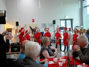 92 seniorer til julefrokost