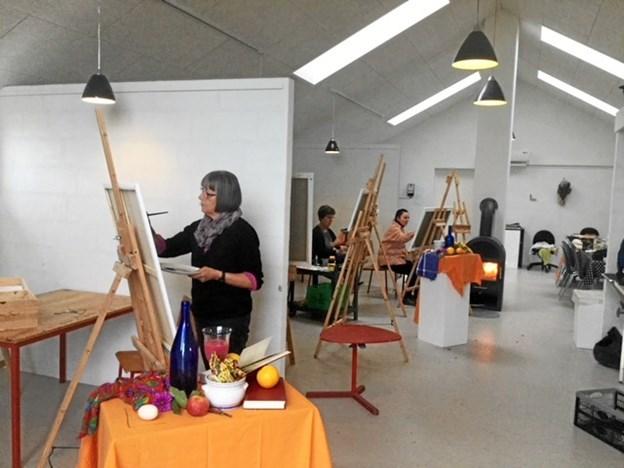 26 af kursisterne gennem årene har sagt ja til at udstille deres kunstværker. Privatfoto