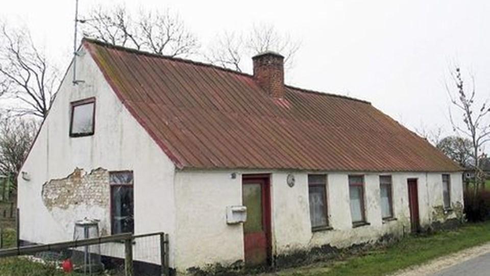 Flere og flere huse på landet får lov til at forfalde. arkivfoto