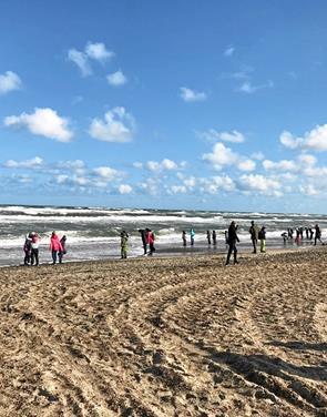 Skolebørn fra Brovst oplevede verdens skønneste plet Byens liv: 0., 1., 2. og 3. klasserne på Brovst Skole var i uge 19 ude i naturen