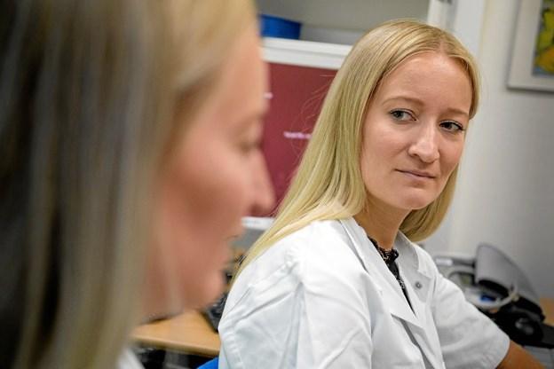 Tvillingerne har haft deres gang på Reumatologisk afdeling Sygehus Nord, og nu skal de videre i turnus på Sygehus Vendsyssel.  Privatfoto