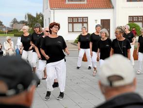 Linedance på Torvet