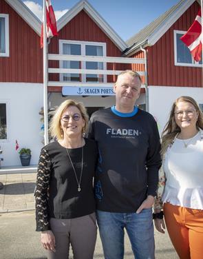 Nu er Mettes datter og mand også med i butikslivet