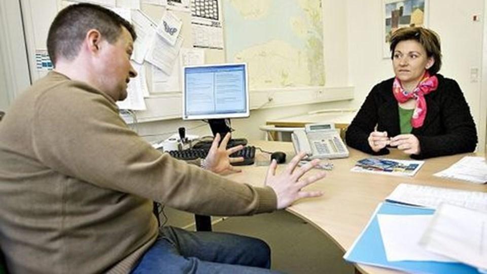 Ole Nørr Pedersen forsøger at overbevise Pernille Vigsø Bagge om, at der altså er langt flest solstrålehistorier. Foto: Claus Søndberg