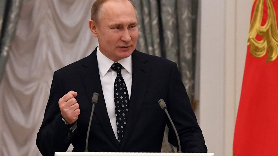 Vladimir Putin og Donald Trump skal mødes i en ikke så fjern fremtid, har de ifølge Trump aftalt tirsdag. Foto: Scanpix/Yuri Kadobnov